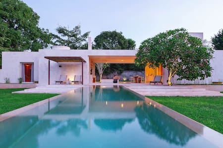 Stunning modern home base for Yucatan exploration - Acancéh