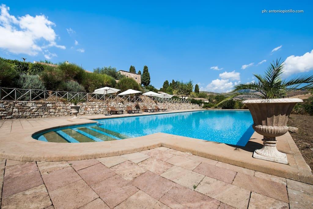 piscina spazi esterni comuni