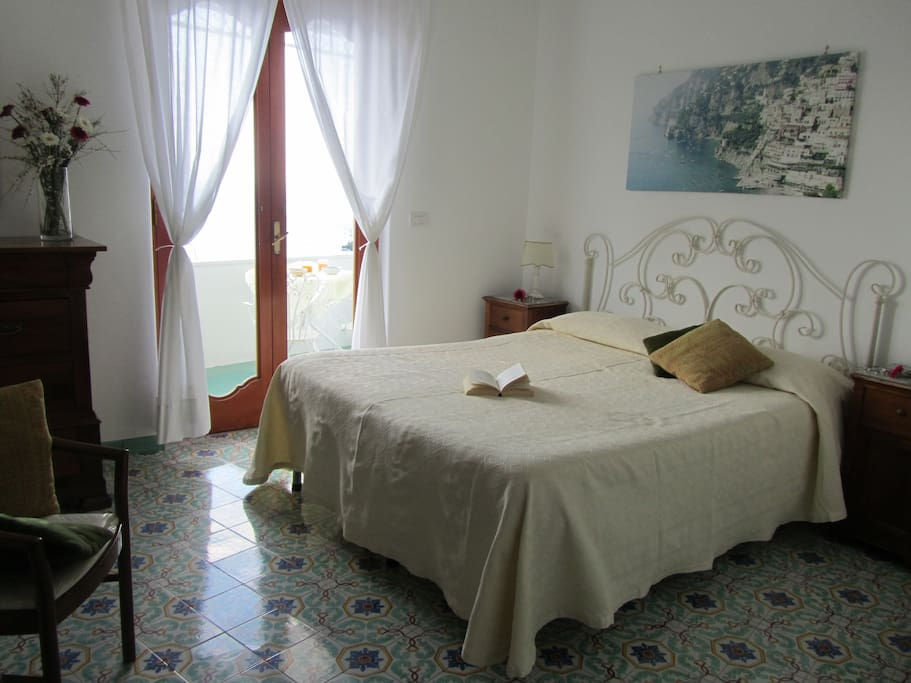 Casa guadagno amalfi coast bed and breakfasts for rent for Bed and breakfast amalfi coast