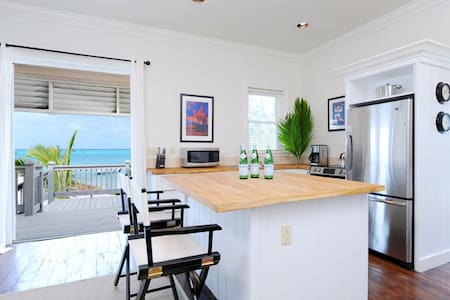Two-Bedroom Oceanfront Cottage Near Restaurant