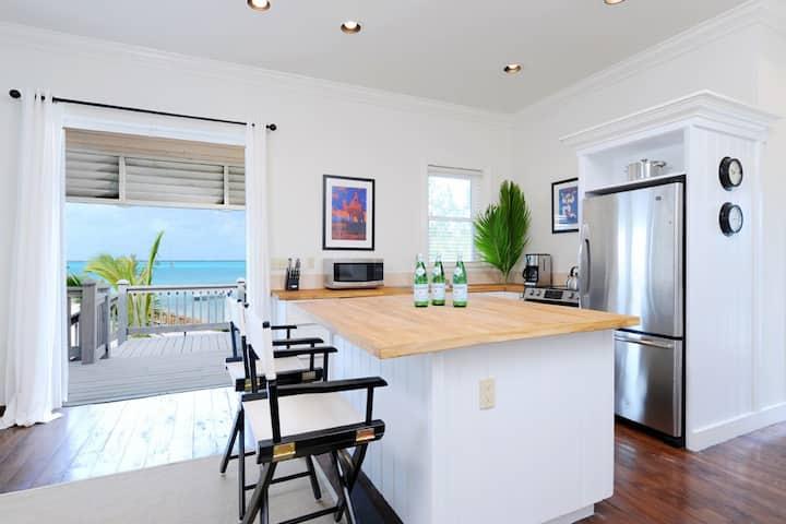 Two-Bedroom Oceanfront Cottage Near Restaurant