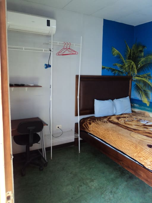 STANDARD DOUBLE ROOM QUEEN SIZE BED A/C PRIVATE BATHROOM