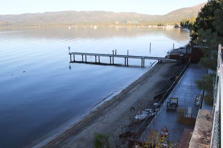 South Lake Tahoe Lakeside Unit #1 - Саут-Лейк Тахо - Бунгало