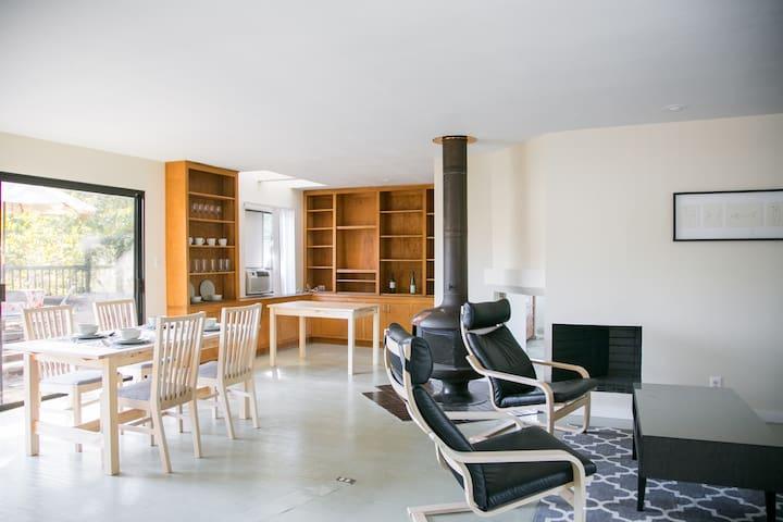 Big Old Apartment, Great Area, Walk to Rose Bowl - Pasadena - Apartemen