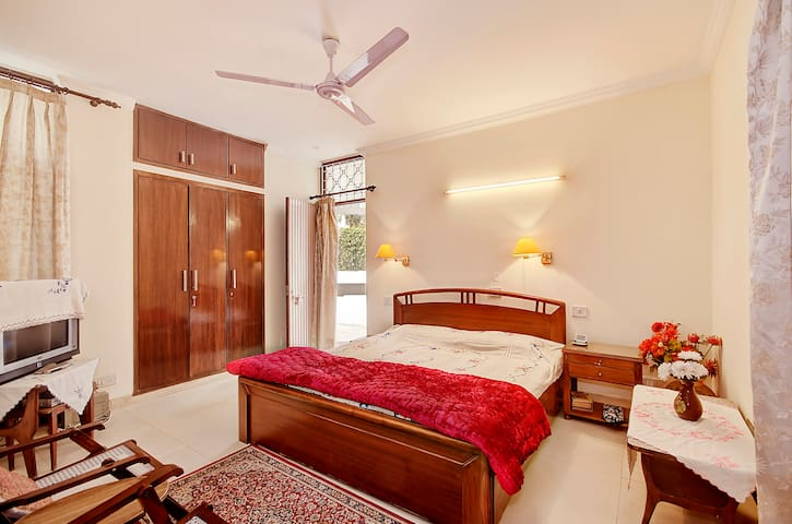 Furnished Room in posh locality - New Delhi - Lomamökki