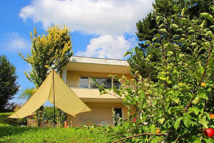 Sonniges Haus Wald-und Wiesenblick