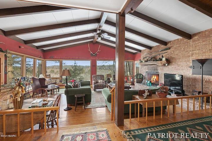 Deluxe Mich. river cabin compound | Amazing view
