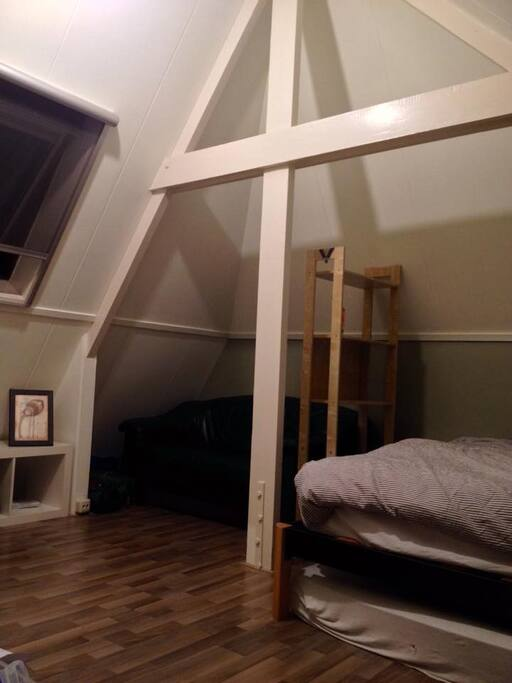 Bedroom (private)