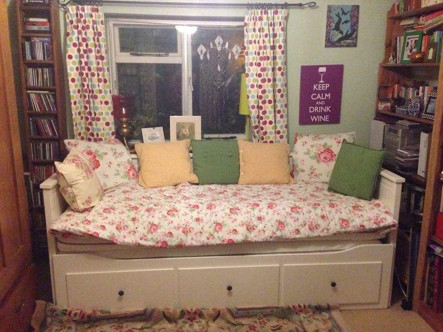Comfy single or double bed