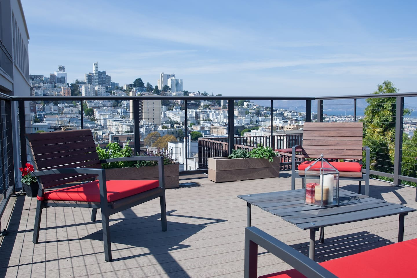 Private roofdeck and herb garden