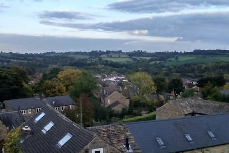 Double room-edge of Peak District with city links