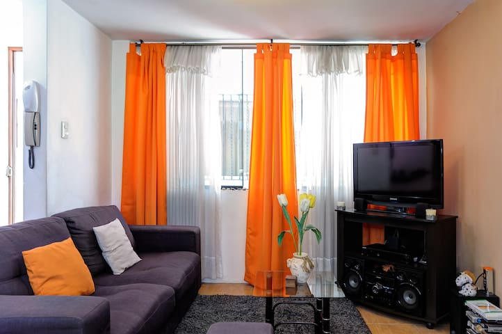 Double room + breakfast + homestay - Cayma District - Ház