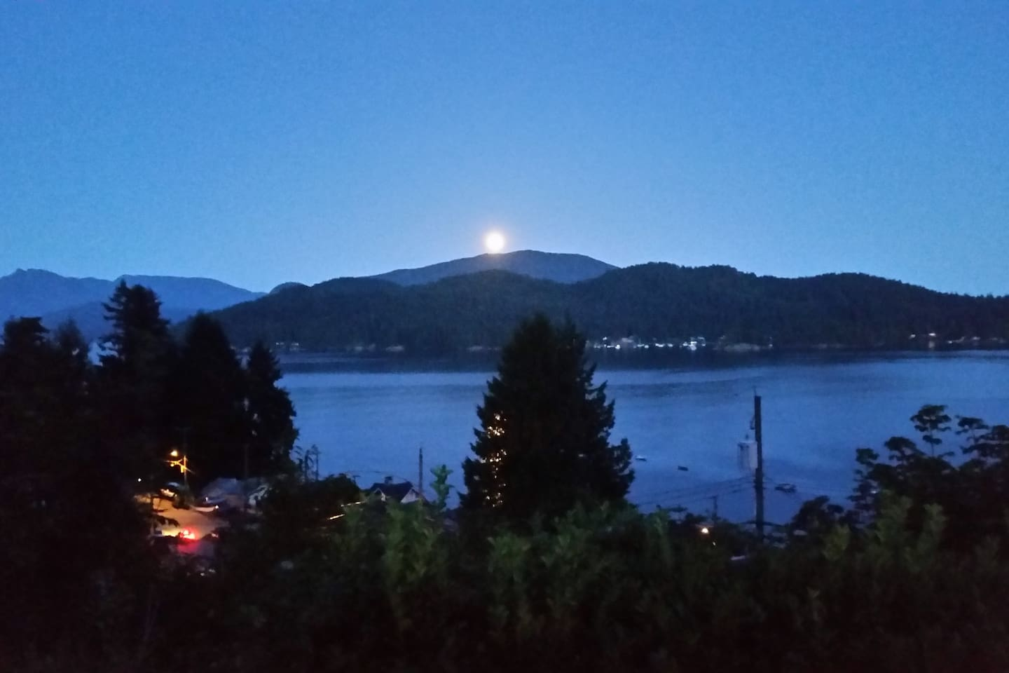 Full moon rising over Keats Island from the front yard