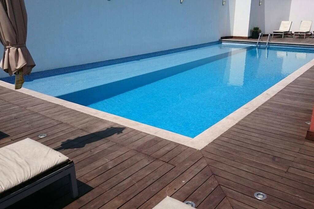 Swimming Pool (6th floor)