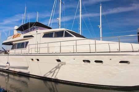 My Angélisa The Yacht ( Bed&breakfast) - Lisboa - Boot