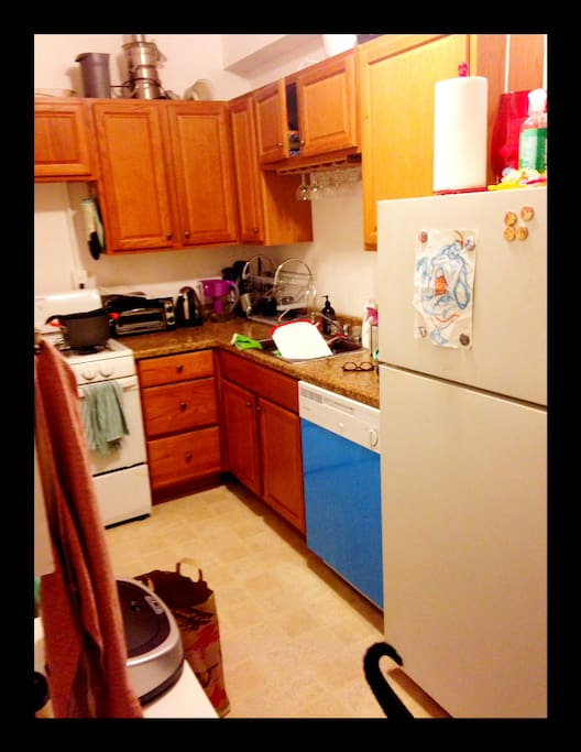 full kitchen with all amenities and a dishwasher