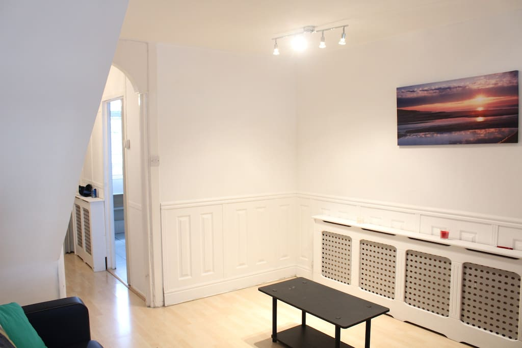 BERN 3 Bed 6 Sleeper Flat Close To Tower Bridge Apartments For Rent In L