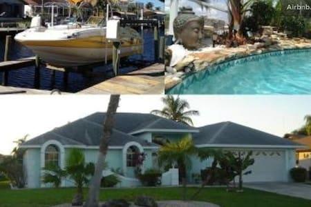 Lux. Riverfront Villa 8p VillaTiffany boat otpion - ケープコーラル