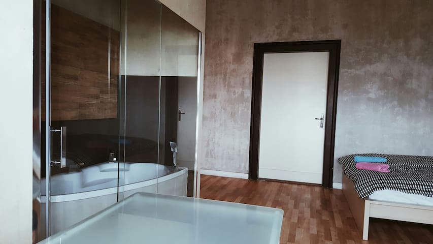 Nice Studio-Room in the city center of Katowice - Katowice - Apartment