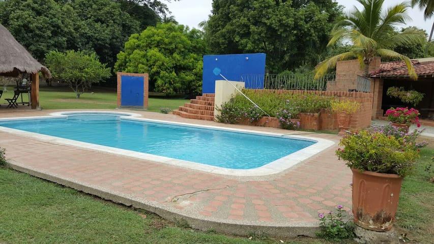 HERMOSA FINCA DE DESCANSO - Santafé de Antioquia - Rumah