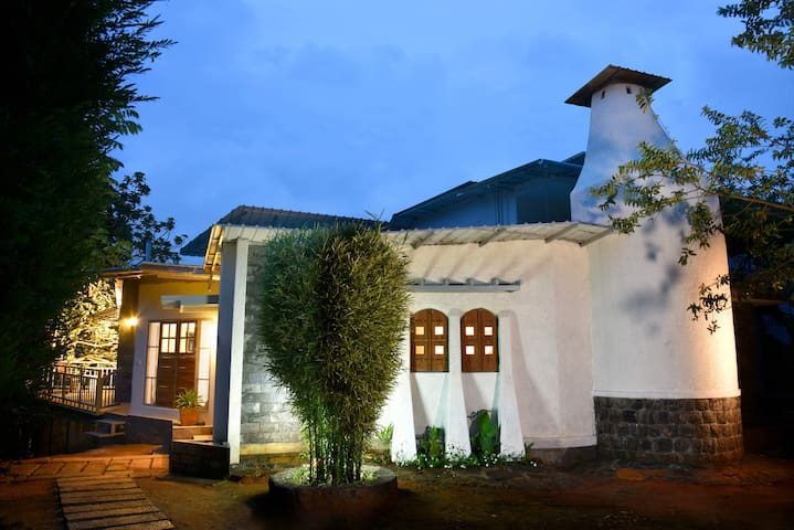Mistletoe Homestay and Cafe Room 1 - Munnar