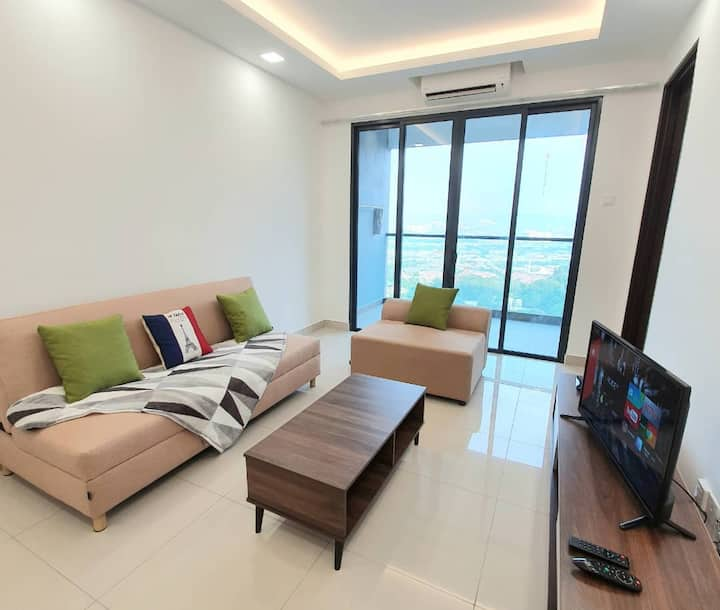 (3.1)Spacious HOME with Balcony: FREE Wifi,Parking