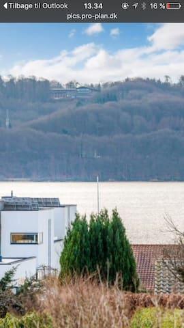 Villa med udsigt til Vejle fjord - Vejle