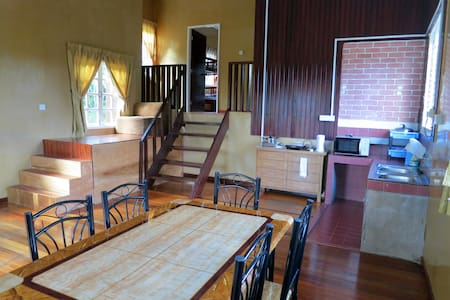 Mile 36 Lodge - Bungalow and Chalet - Kundasang - Casa