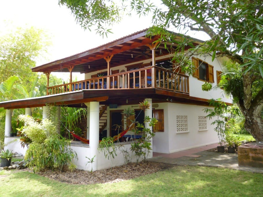 Cozy beachfront in playa zancudo houses for rent in for Costa rica house rental