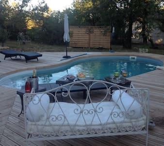 Chambres dans villa avec piscine, terrasse, jardin - Flaujac-Poujols