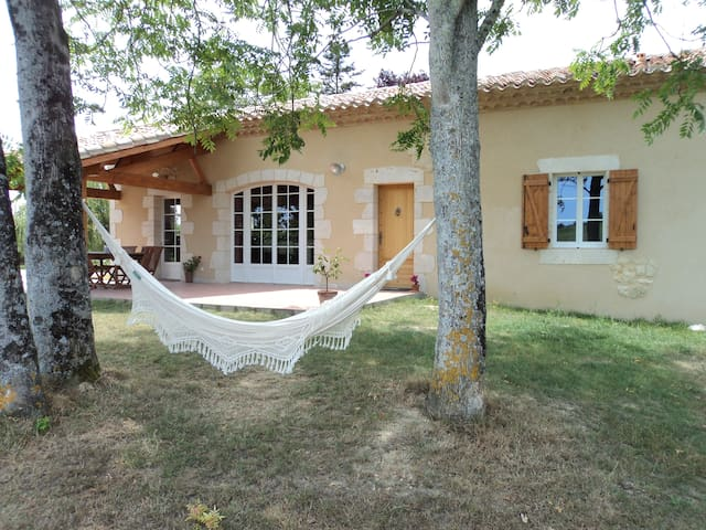 Beautiful house in France, 3 rooms - Mauroux - Rumah