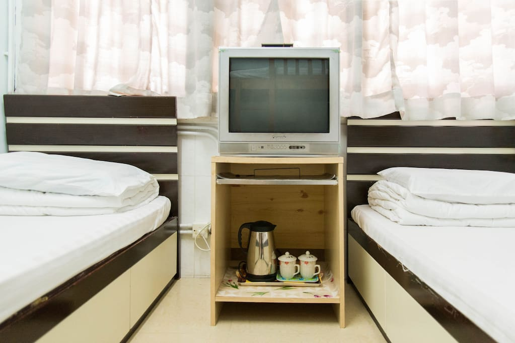 Traditional hk family spacious convenient room appartements louer hong kong kowloon - Farbiges modernes appartement hong kong ...