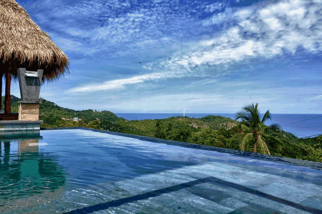 Horizon luxury pool villa incl motorbike sea view for Koi pool villa koh tao
