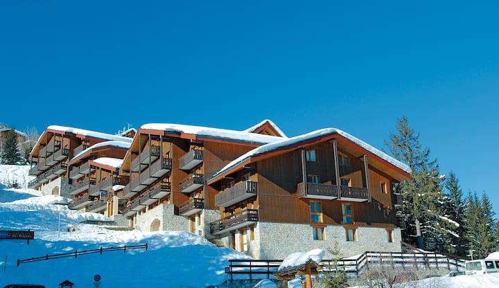 COURCHEVEL Village - 2 pièces cosy -skis aux pieds