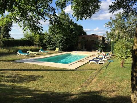 L'Orangerie, gite avec piscine chauffée