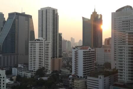 Prime location Sukhumvit Asok BTS -1 large bedroom - Bangkok