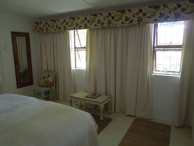 Sunbird  Self Catering  Cottage