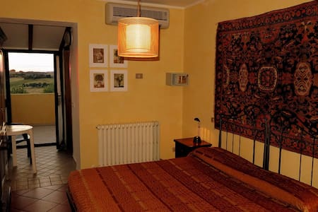 Agriturismo vicino al mare - San Costanzo - Bed & Breakfast
