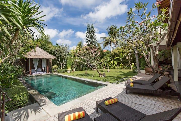 Seminyak 2BR Best Tropical&Peaceful Villa #family
