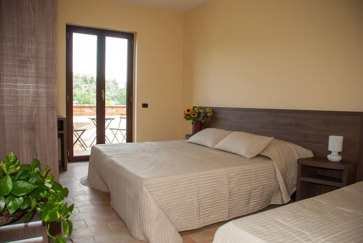 Casa Dèlfico - Ristoro in famiglia - Castagneto - Pousada