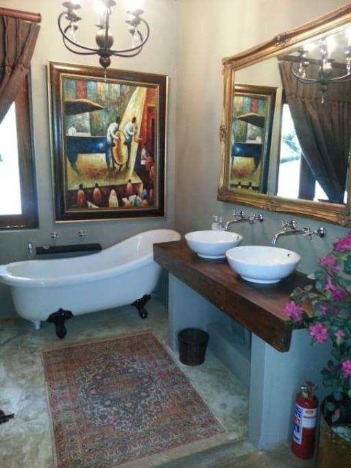 Opulent Zanzibar garden suite with extra length king size bed