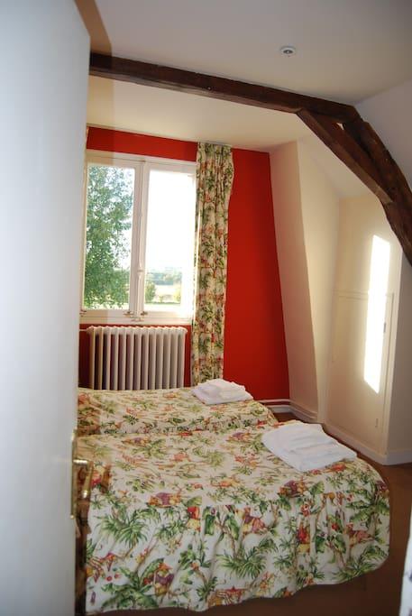 Chambre 2 lits simples au 1er étage.