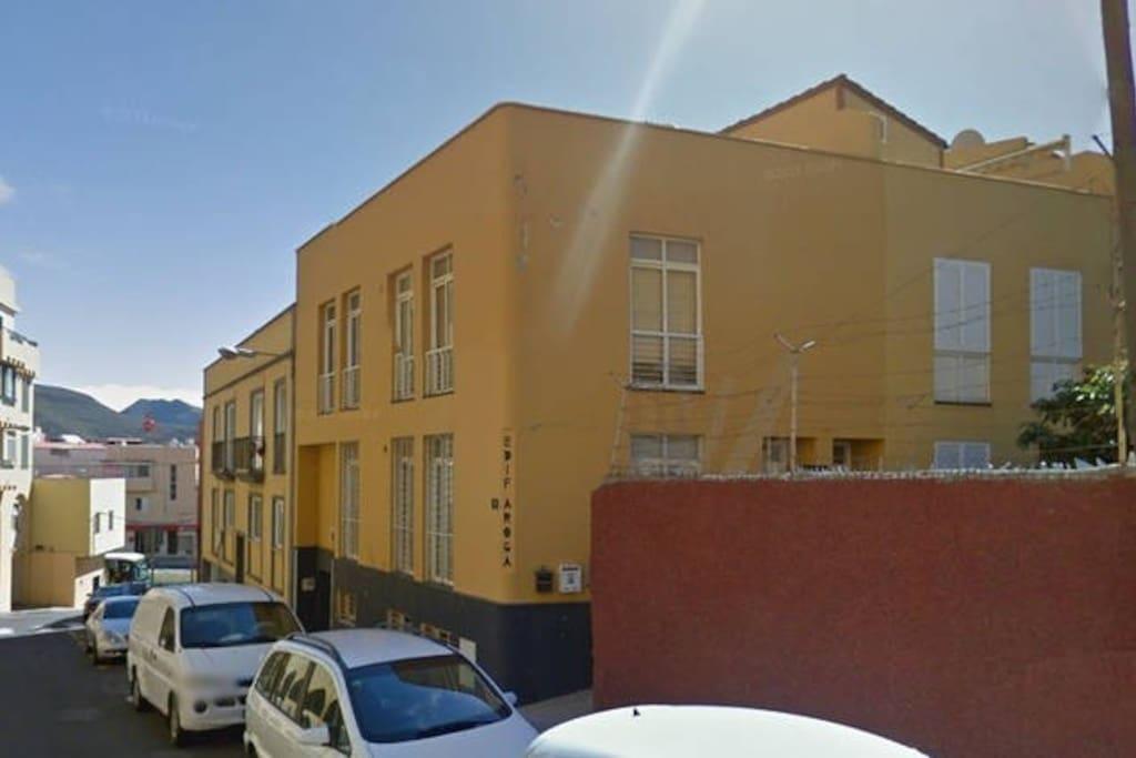 Habitaci n doble con terraza apartamentos en alquiler en san crist bal de la laguna canarias - Alquiler habitacion la laguna ...