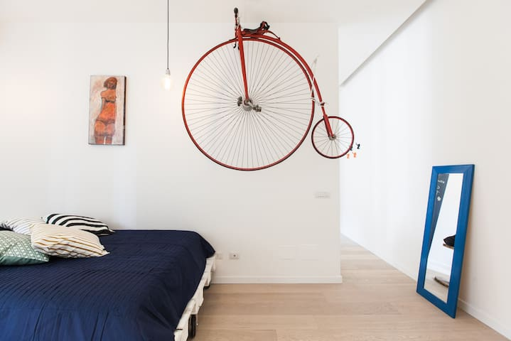 "Small & Cosy ""CASINA TESTACCIO"" - โรม"