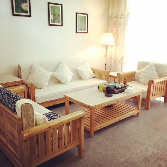 客厅 living room with comfortable sofa