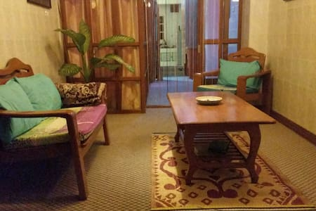 Our appartement is based on the 4th floor right in the middle of China Town, downtown Yangon. Very close to many well known markets: Scott Market, Bogyoke Market etc.) and the famous Pagoda's, Shule and Shwedagon. 10 minute walk to the Train station.