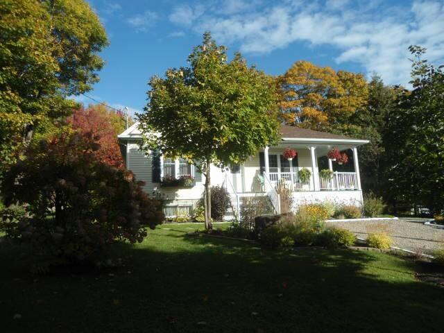 maison seule avec sous-sol 2 chambr - Sainte-Brigitte-de-Laval