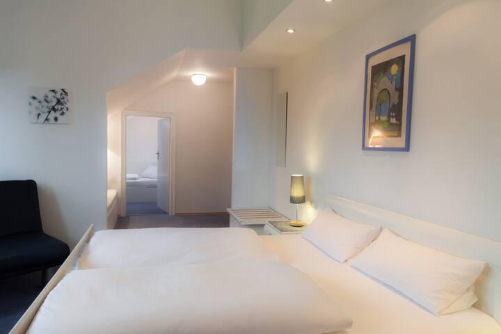 Gästehaus Langhammer Zimmer 15 - Bubenreuth - Bed & Breakfast