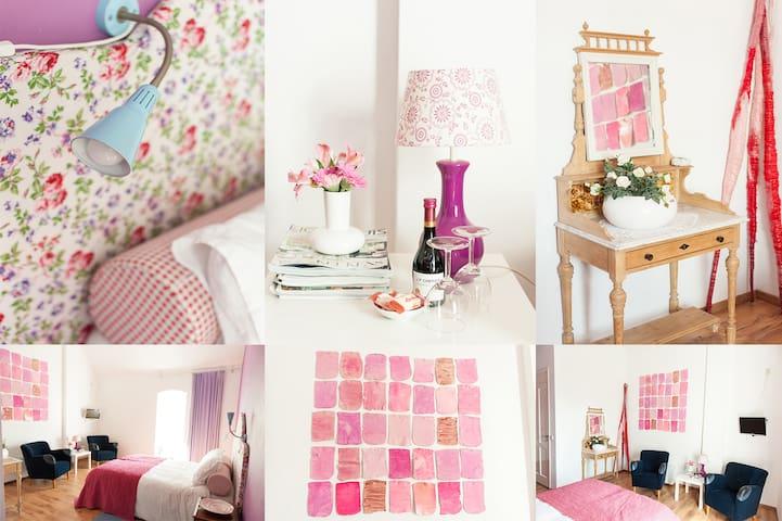 Sfeervolle ruime kamer - Zevenbergen - Bed & Breakfast