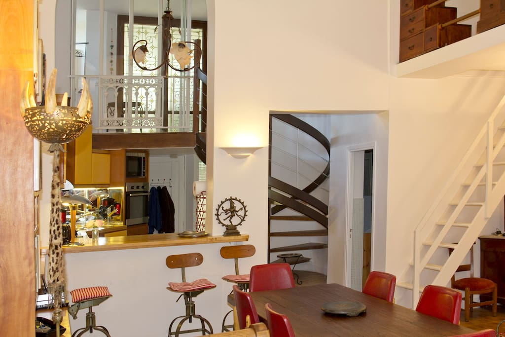 Montmartre - Apt. CHATEAU - The apartment layout is unusual but exquisite